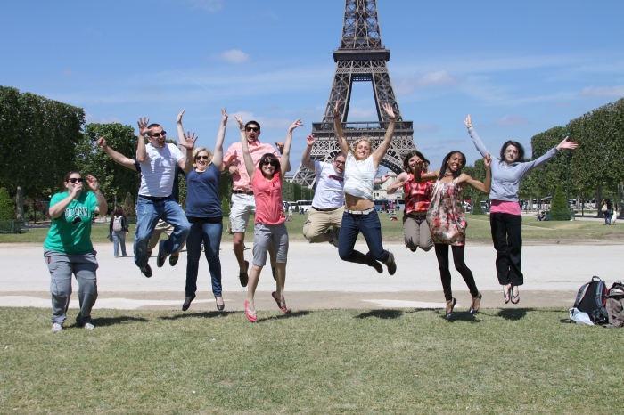 Neag-Students-Show-their-excitement-to-be-in-Paris