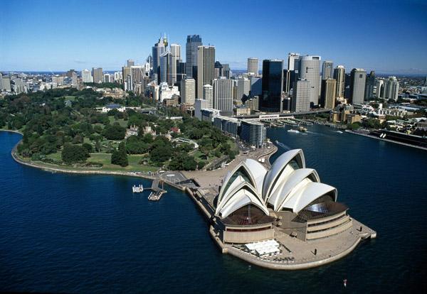 sydney_opera_house_harbor_skyline_australia_photo_robert_wallace