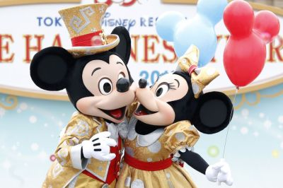 mickey-minnie-mouse-disney-kiss-w724
