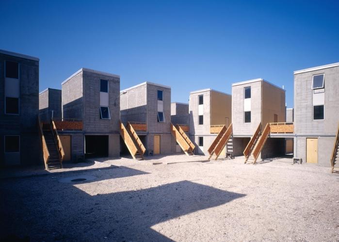 Alejandro-Aravena-Quinta-Monroy-Housing_dezeen_ban