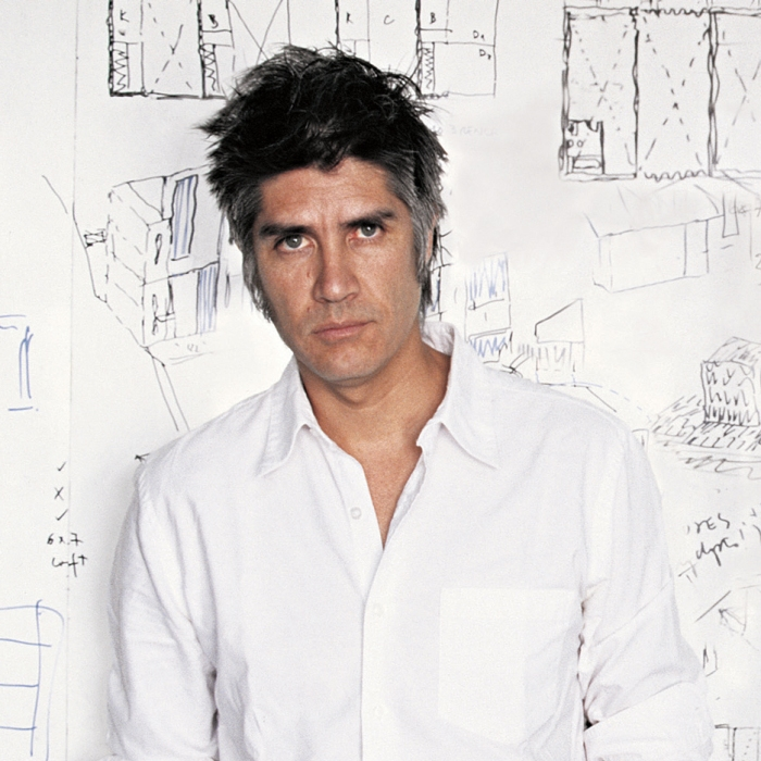 Alejandro-Aravena_portrait_sq
