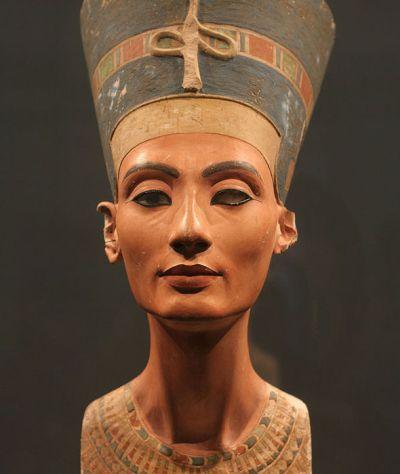 Nefertiti-bust-330653