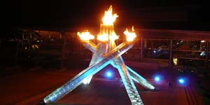 34_olympic_flame_of_vancouver_2010_olympics_night