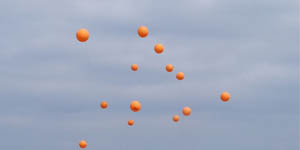 67_800px-virginia_tech_balloons_released_over_nez1