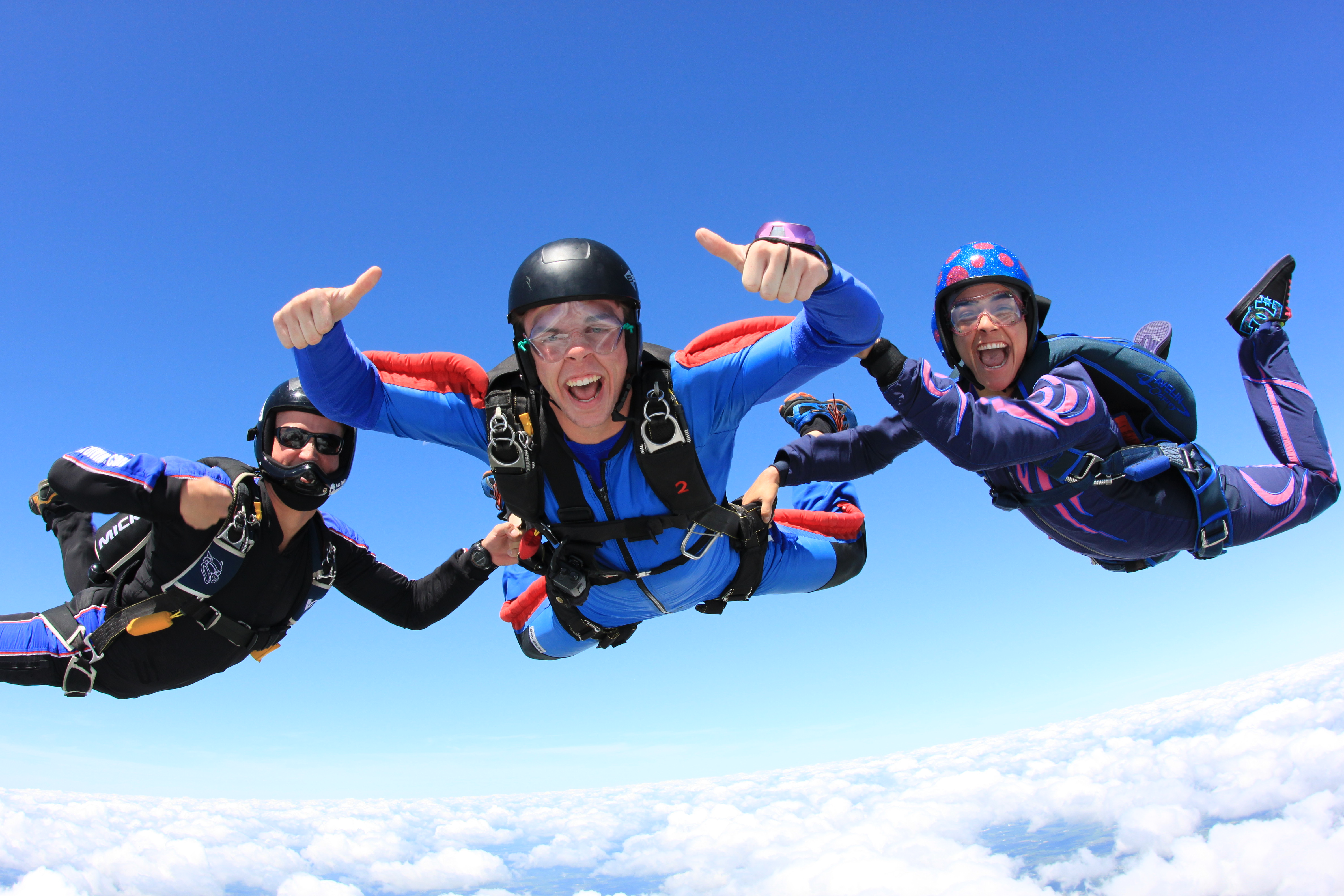 skydiving extreme sport skydive cambly sky diving sports skydivers fall