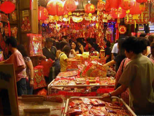 street-market-in-singapore