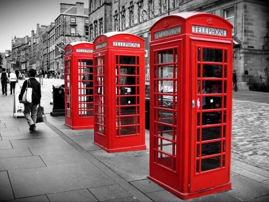 2006-09-17-redphoneboxes